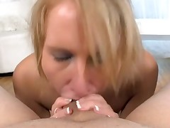 Sexy sweetheart is charming chap with wicked oral job